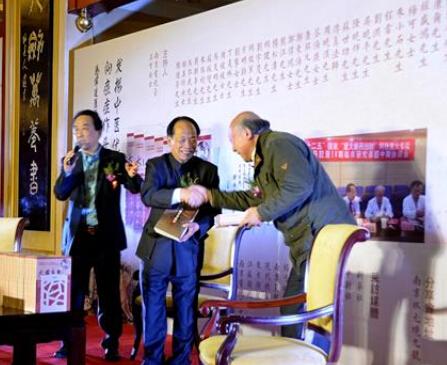 励志人物郑伟达现身南京 与读者分享《大国良医》
